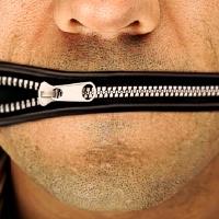 Žalia šviesa globalinei cenzūrai