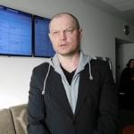 A.Lobovui už alkoholio reklamos plakato nuplėšimą 20 parų arešo