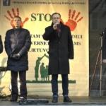 """Mitingas """"Už Šeimą – STOP vaikų atiminėjimui"""" kalba Seimo nariai"""