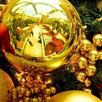 Šiuolaikinės Kalėdos - margai įpakuota tuštybė