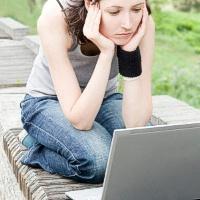 Kada virtualus bendravimas tampa priklausomybe?