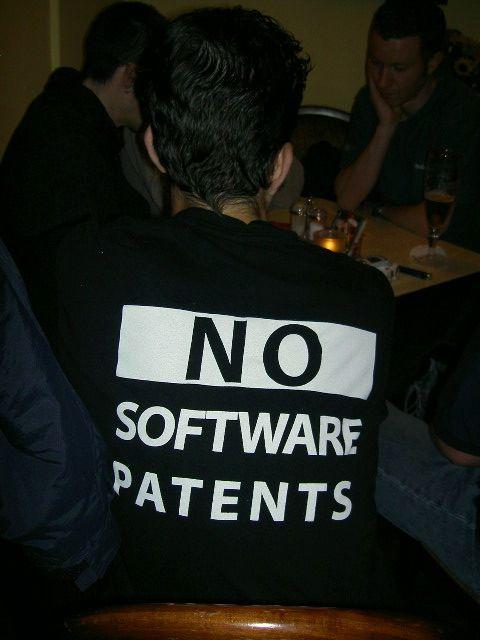kad programos būtų suvaržytos patentų