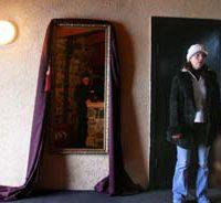 Į skolas įklimpęs restoranas bando gelbėtis vaiduokliais