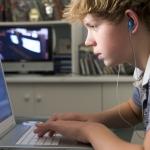 Internetas: tarp pramogos ir priklausomybės