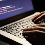 Hakeris sunaikino IPT