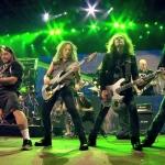 Krakeriai kovoja prieš Metallica