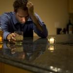 Kuo skiriasi alkoholizmas nuo narkomanijos?